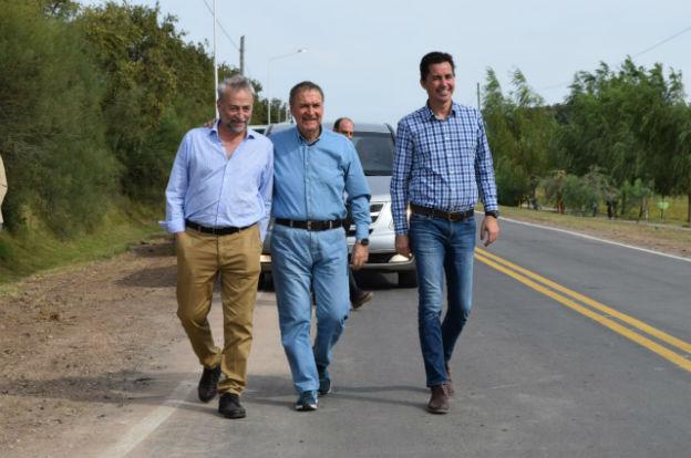 El gobernador dejó habilitadas obras viales en el departamento General Roca