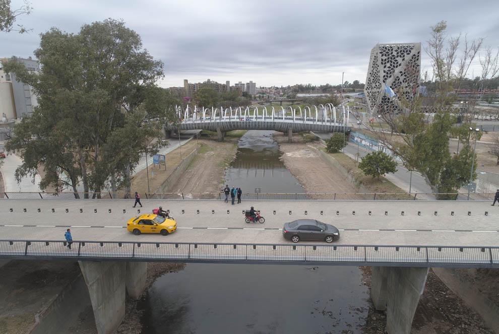 Schiaretti inauguró el nuevo puente 25 de Mayo