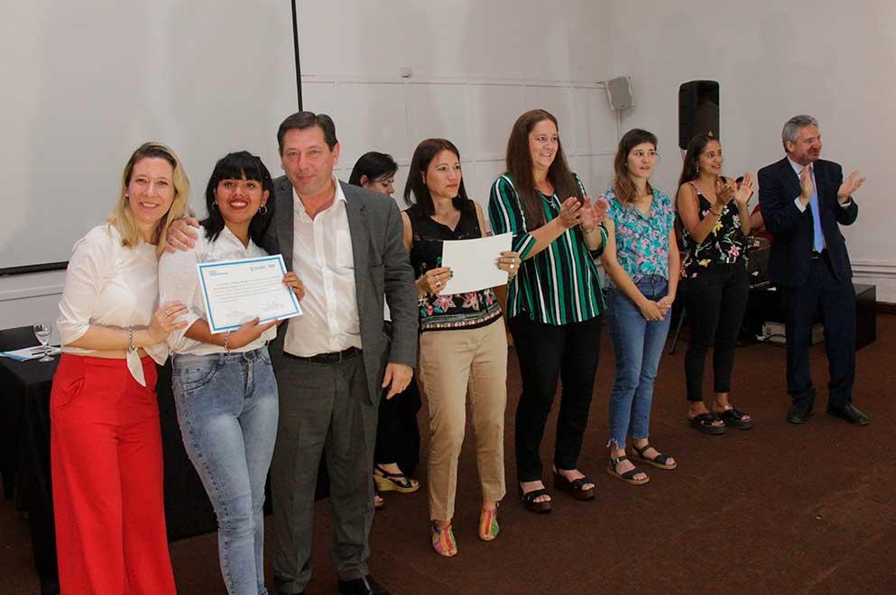 Emotivo reconocimiento de Senaf a jóvenes y adolescentes