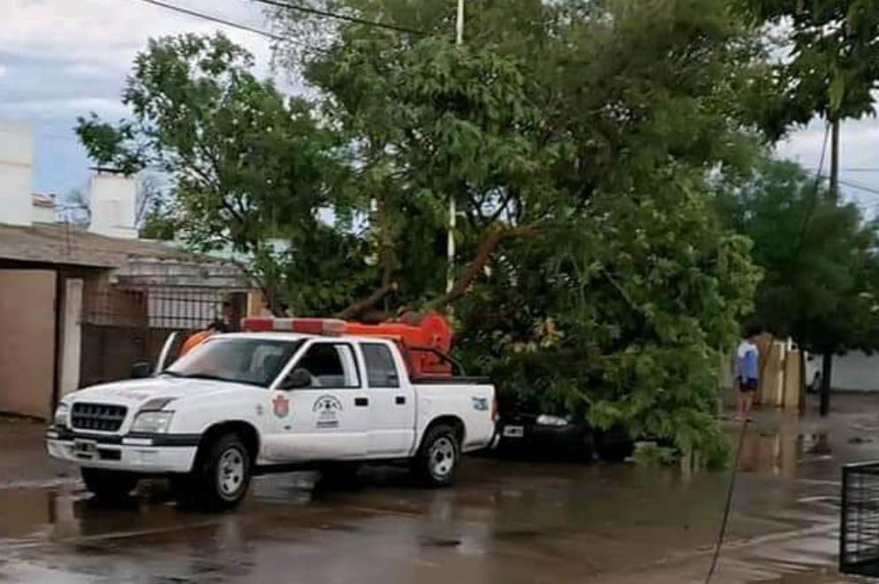 Tras la tormenta, la Provincia asiste a Villa Dolores y San Pedro