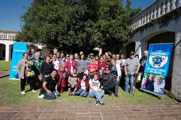 Turistiando jubilados del interior visitan la ciudad de for Ministerio del interior cordoba