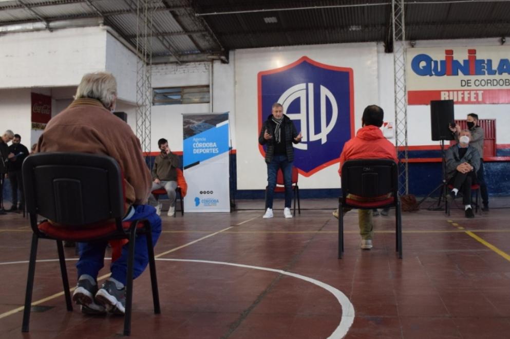 Clubes de la ciudad de Córdoba recibieron apoyo económico de la Provincia