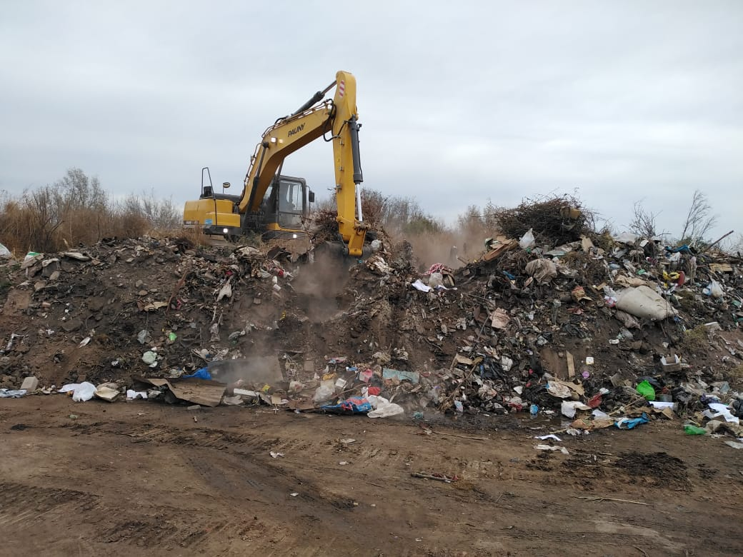 Con apoyo de Ambiente, comenzó el cierre del basural de Almafuerte