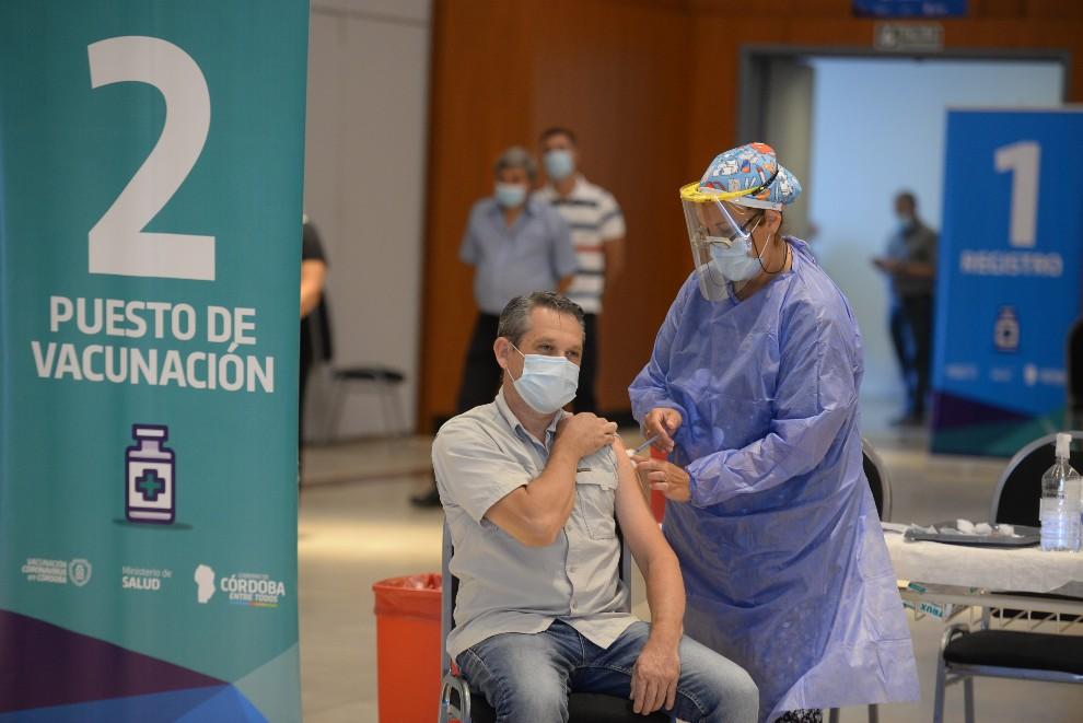 El martes se vacunaron 16.758 personas contra el Covid-19