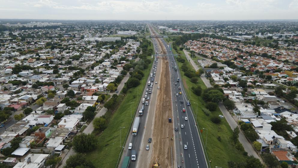 Provincia habilitó un nuevo puente y otro tramo de tres carriles • Canal C