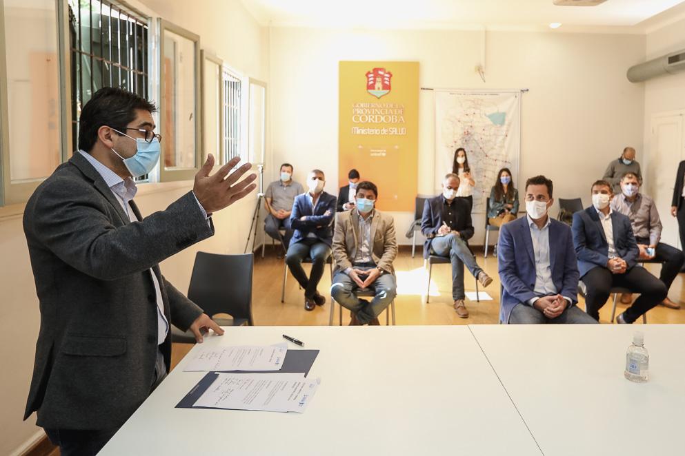 0P1A0362 - Covid-19: la Provincia fortalece el sistema sanitario de 12 hospitales municipales
