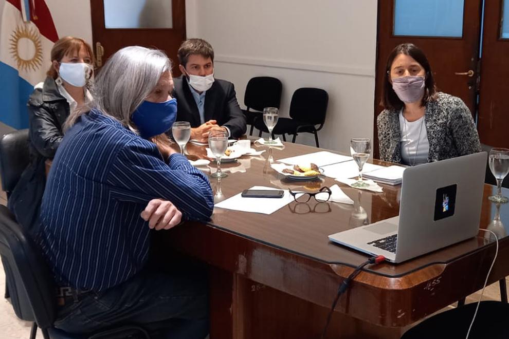 Autoridades de DD.HH. y el INAI se reunieron con el Consejo Indígena
