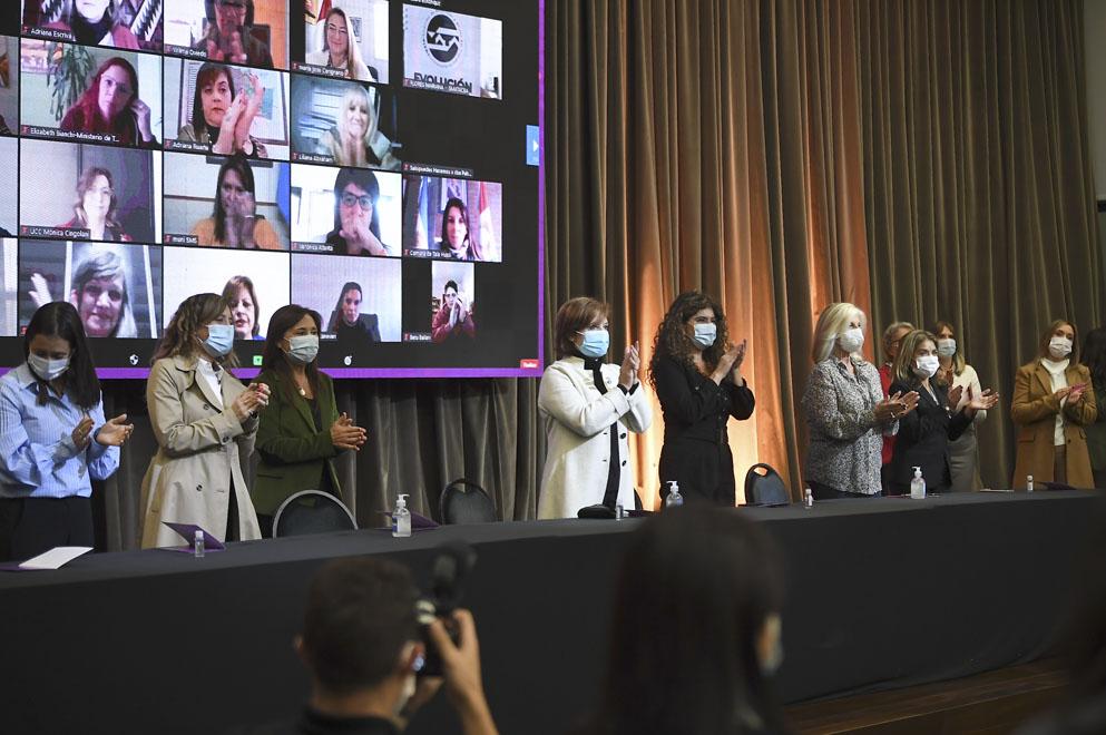 Se presentó el concurso provincial de ideas Por Más Lideresas