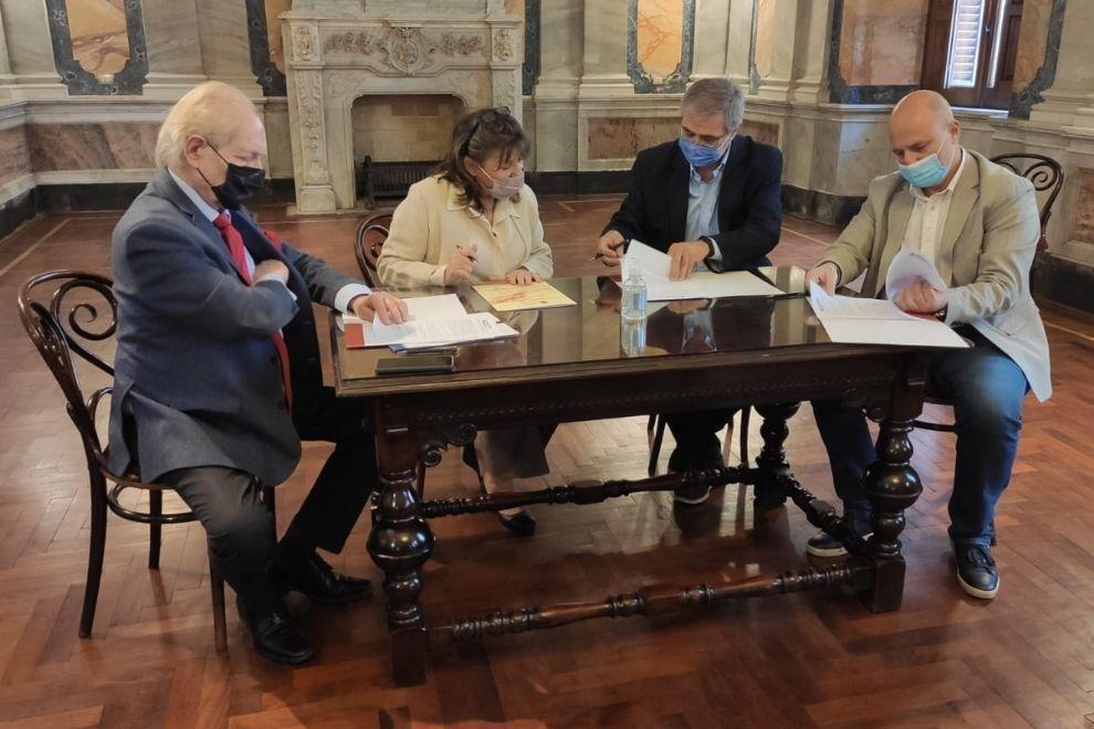 Córdoba renovó la firma del convenio de divulgación científica con la UNC y la ANC