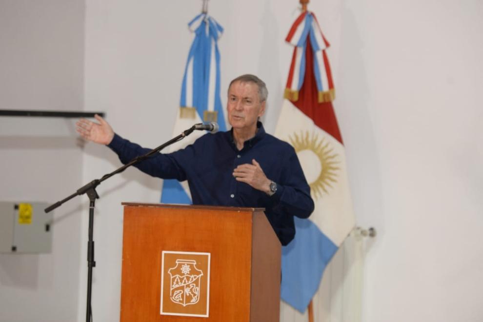Schiaretti inauguró obras de gas y anunció saneamiento cloacal en Calamuchita